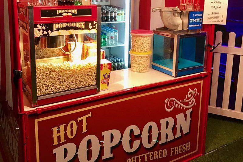 Popcorn stall with machine